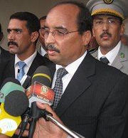 180px-Mauritania-aziz-in-his-home-city-Akjoujt-15mar09_1