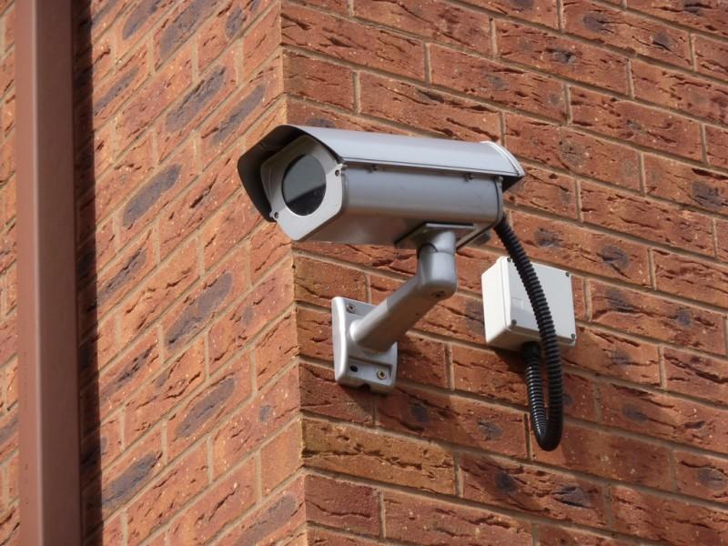 كاميرا مراقبة - تصوير  لليديا شينينبرايتلي على فليكر