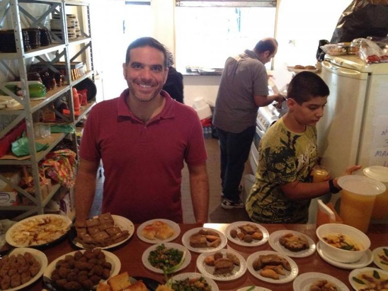 طلال التيناوي، مهندس الميكانيك الذي أصبح طباخًا. صورة شخصية، استخدمت بإذن.