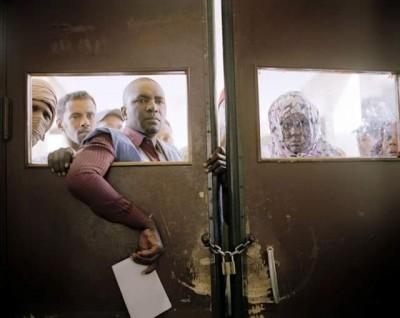 صورة لغلق باب أحد المستشفيات أمام المواطنين، نشرتها الناشطة مليكة محمد لمين على فيسبوك