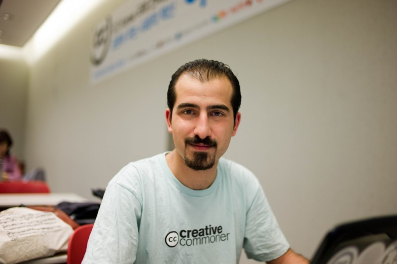 Bassel Khartabil, le 5 juin 2010. Joi Ito via Flickr CC License by