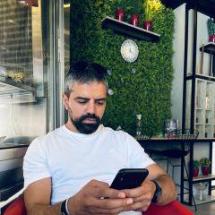 A small portrait of أيمن حسونة